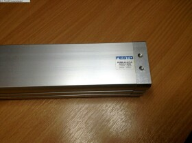 Pneumatikartikel FESTO ADNM-40-A-P-A-200Z1-210Z2 gebraucht